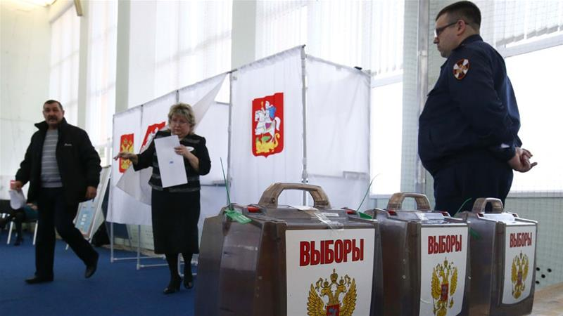 Russians voting during an election [PHOTO: Aljazeera]