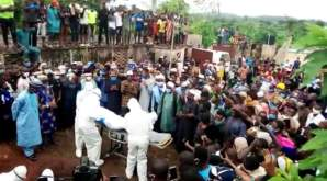 Residents fail to observe social distancing at the burial of the Odo State Commissioner for Health, Wahab Adegbenro, in Akure.