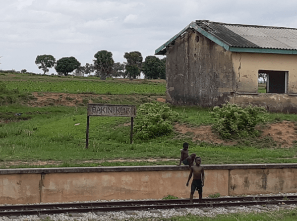 Bakin Kogi station in Plateau State. Rehabilitation work from Kuru stopped at a village, Ringi, just before the Bakin Kogi station and from there no work until inside Gombe station, meaning over 300 KM of no work. Taiwo Hassan Adebayo/PT