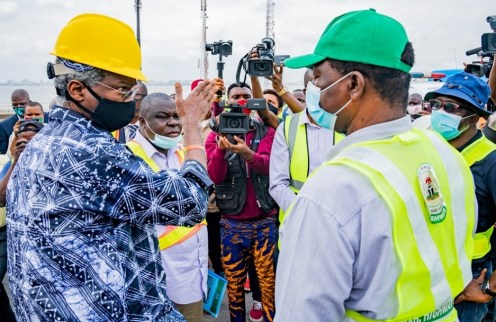 FASHOLA INSPECTS ONGOING REPAIRS AND RESTORATION WORKS ON THE THIRD MAINLAND BRIDGE IN LAGOS [PHOTO CREDIT: worksandhousing]