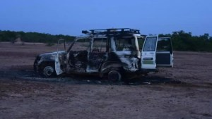 The charred remains of the vehicle in which the six French and two Niger nationals were killed on Sunday in the Kouré region, south-east of the capital, Niamey. BOUREIMA HAMA / AFP