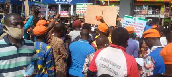 Police Disperse Protesters in Lagos