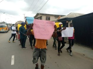 Some protesters in Lagos [Photo Credit: NANS ZONE D]