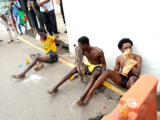 Hoodlums rob, attack peaceful protesters in Lagos