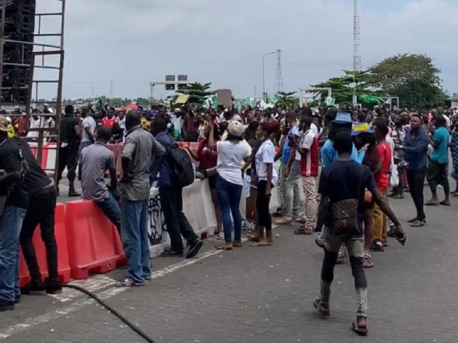 Protesters at Lekki Toll Gate