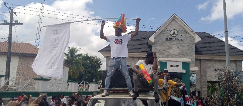 Protesters block Ebonyi Govt House