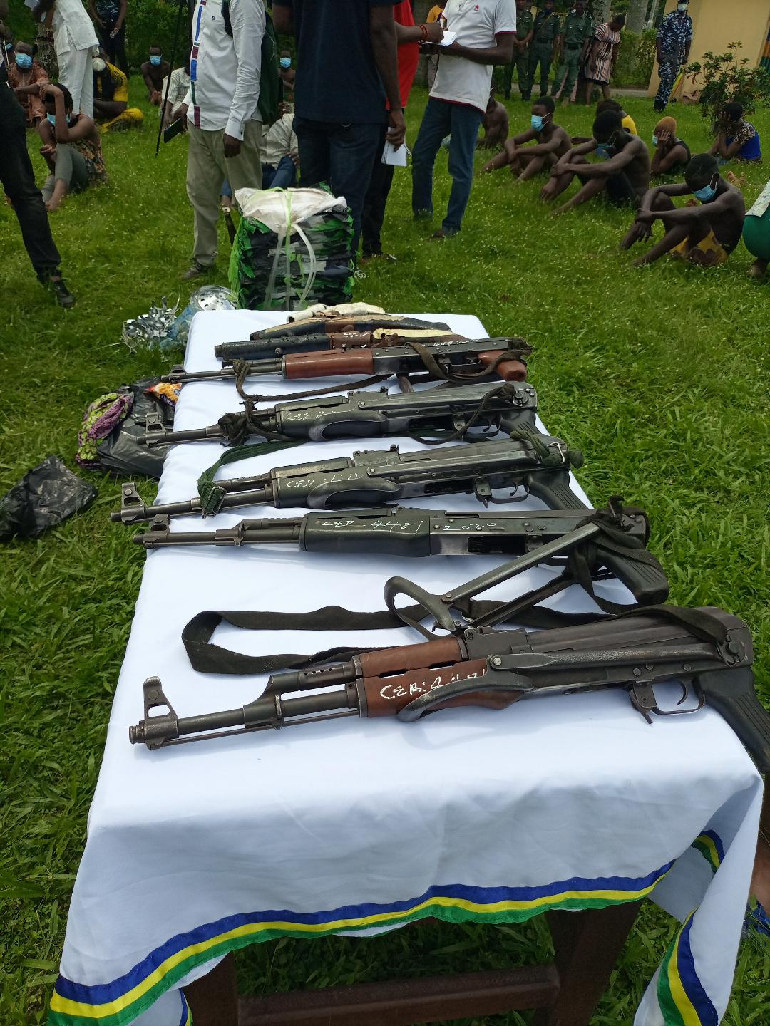 Some of the recovered rifles by Edo Police Command on Wenesday