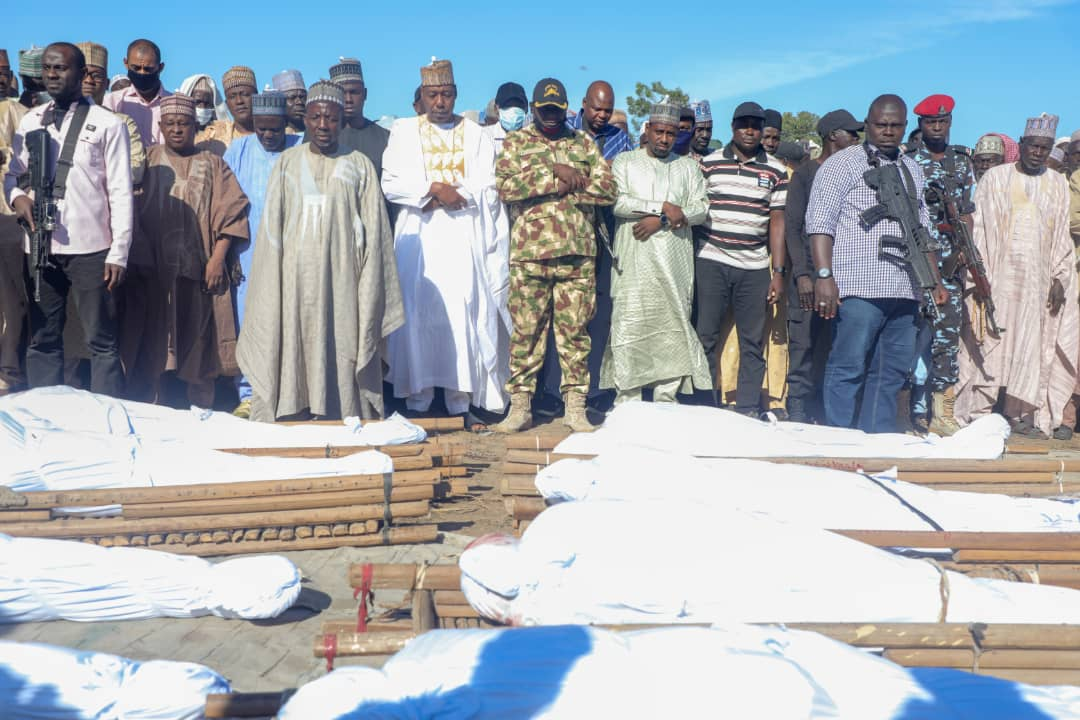 Zabarmari: Governor Zulum of Borno state, leads horrified kinsmen to bury 43 farmers killed by Boko Haram. [PHOTO CREDIT: Twitter handle of Zulum]