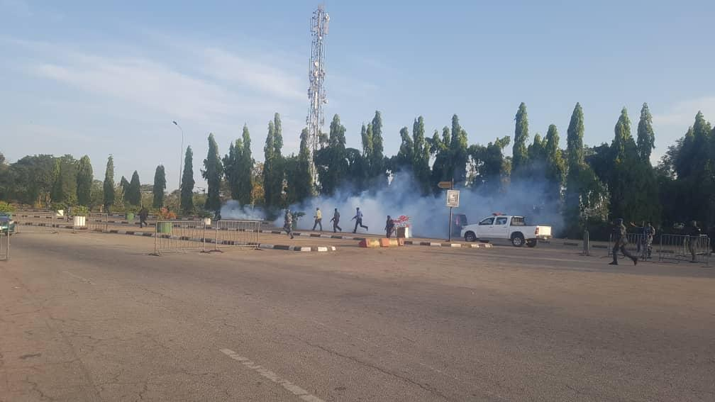 Four reportedly arrested as police attack peaceful protesters in Abuja