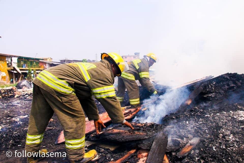 Fire engulfs plank market in Lagos
