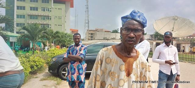 NIN Enrollees frustrated as NIMC office in Lagos shuts down