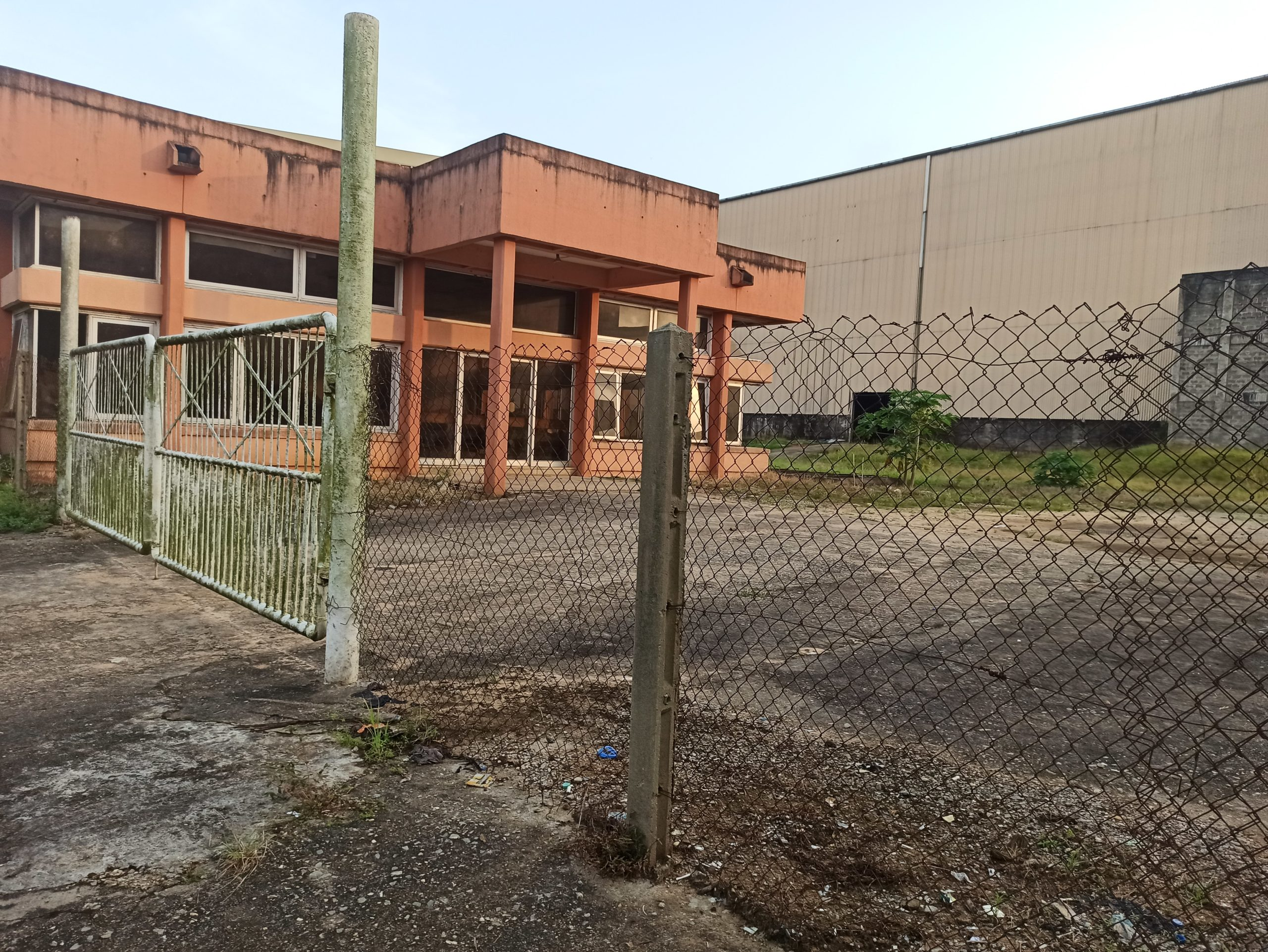 Abandoned Iwopin building Photo Credits: Alfred Olufemi/ PREMIUM TIMES