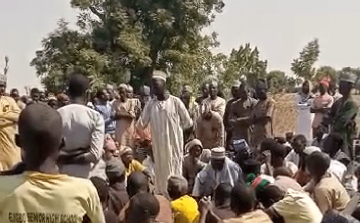 The Imam, Umar Yakubu, middle, giving a funeral tribute at Rumka Cemetery, in Safana, on Monday, 28th December, 2020.