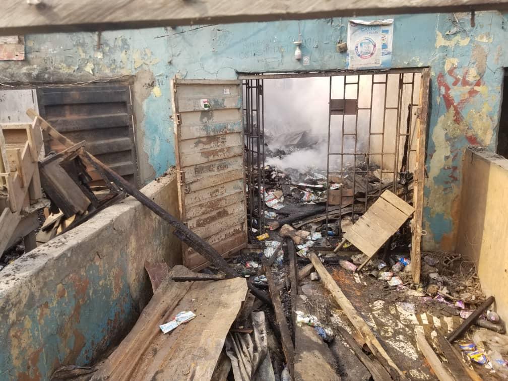 Households affected in Lagos market fire. [PHOTO CREDIT: Ifeoluwa Adediran]
