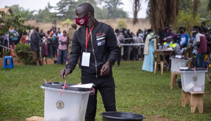 #UgandaDecides: Museveni takes early lead over Bobi Wine as vote count continues