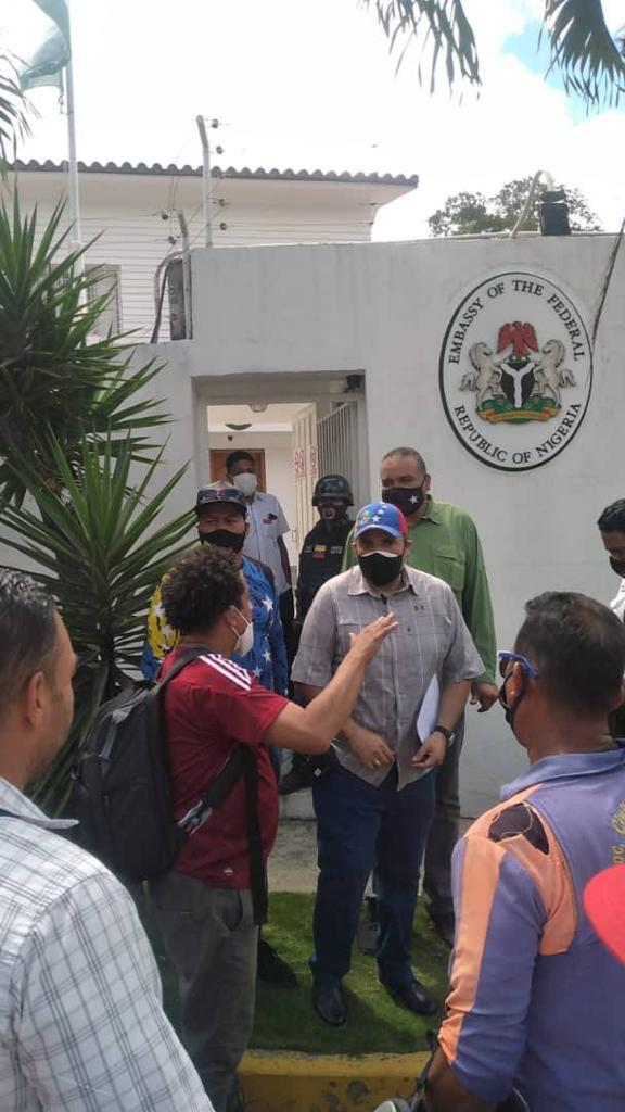 Venezuelan protesters at Nigeria Emabassy in Caracas