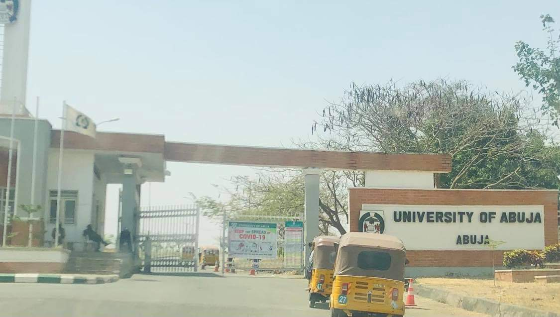 Front entrance of the university of Abuja. No temperature checks and hand washing equipment.