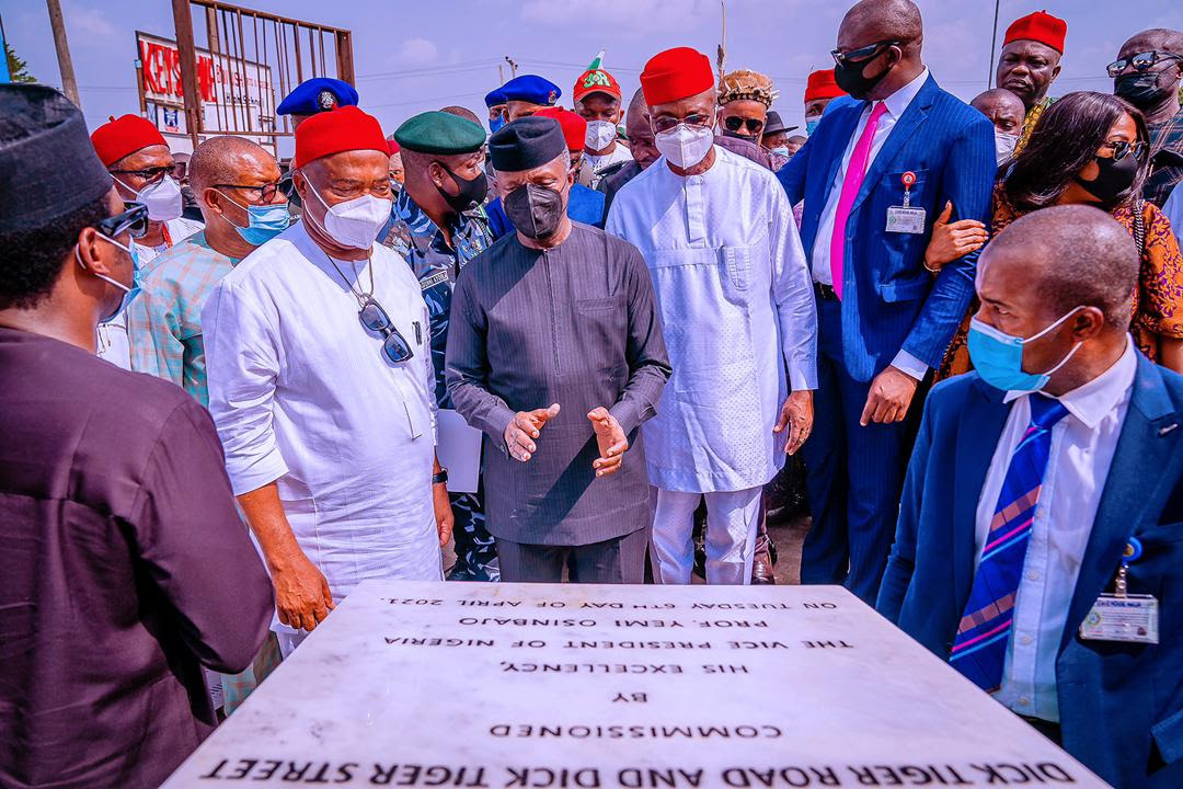 Vice President Yemi Osinbajo SAN, commissions the Dick Tiger Road along with Governor of Imo State, Senator Hope Uzodinma; Minister of State Budget and Planning, Clem Agba and Senior Government Officials. 6th April, 2021. Photos; Tolani Alli