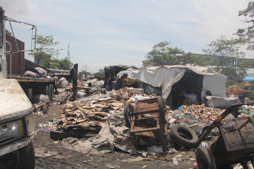 Lagos govt serves quit notice on occupants under Iganmu Bridge