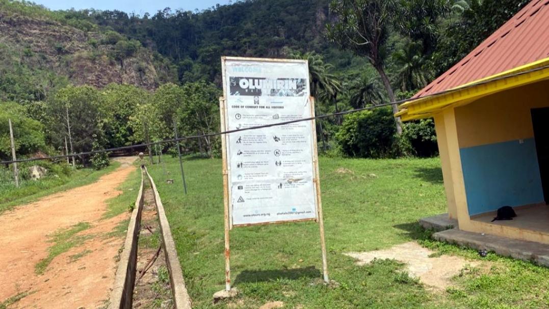 Erin-Ijesha waterfall signpost