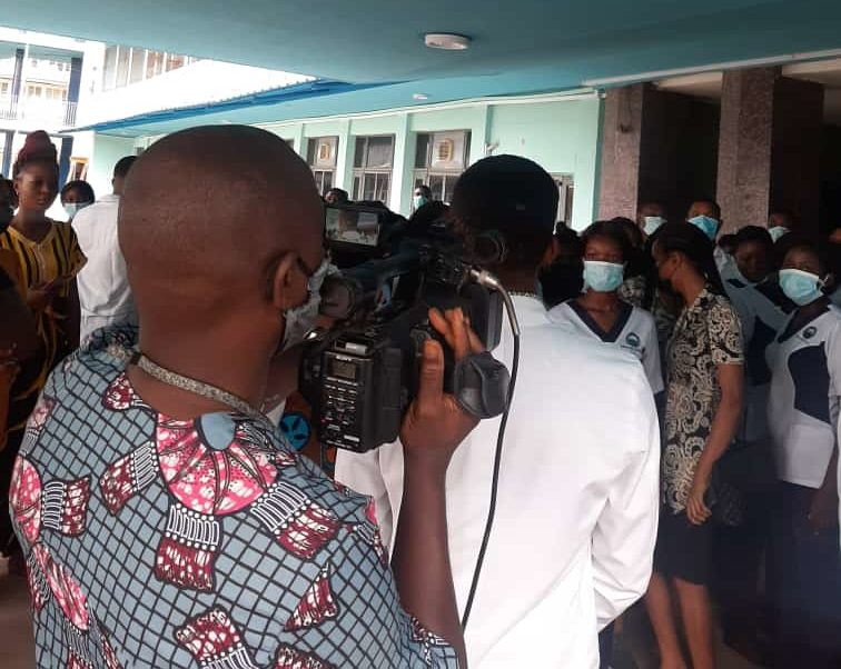 Medical interns protest over payment of half salary in UCH