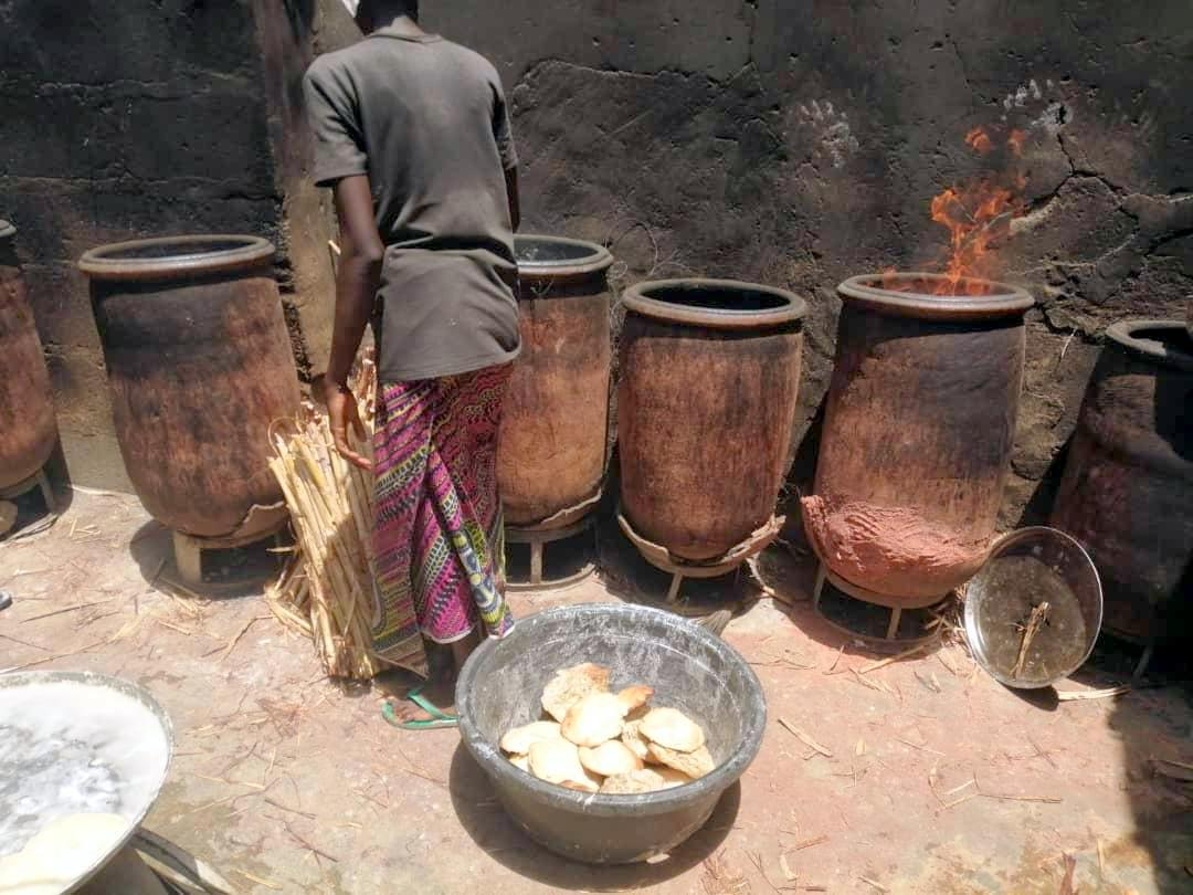 Gurasa baking pot