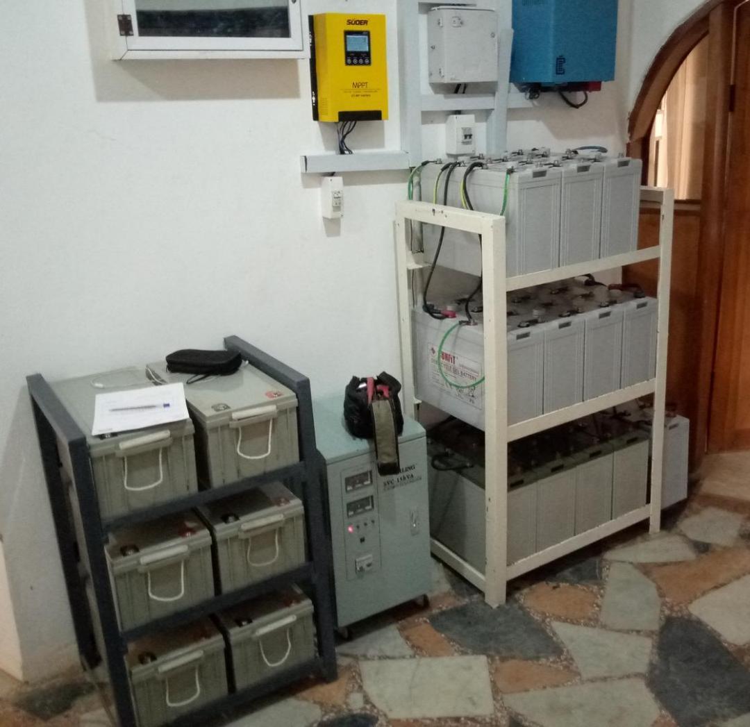 High capacity batteries used alongside rooftop solar panels