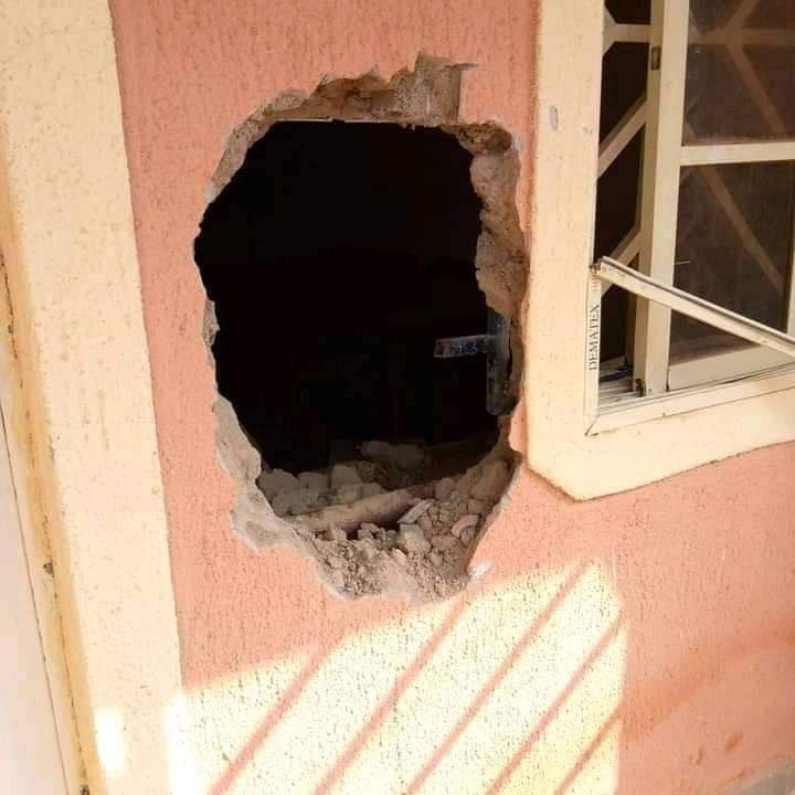 The kidnappers broke into house by breaking into this house