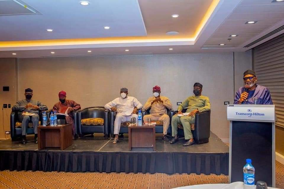 The Chairman and Ondo Governor, Rotimi Akeredolu speaking at the meeting