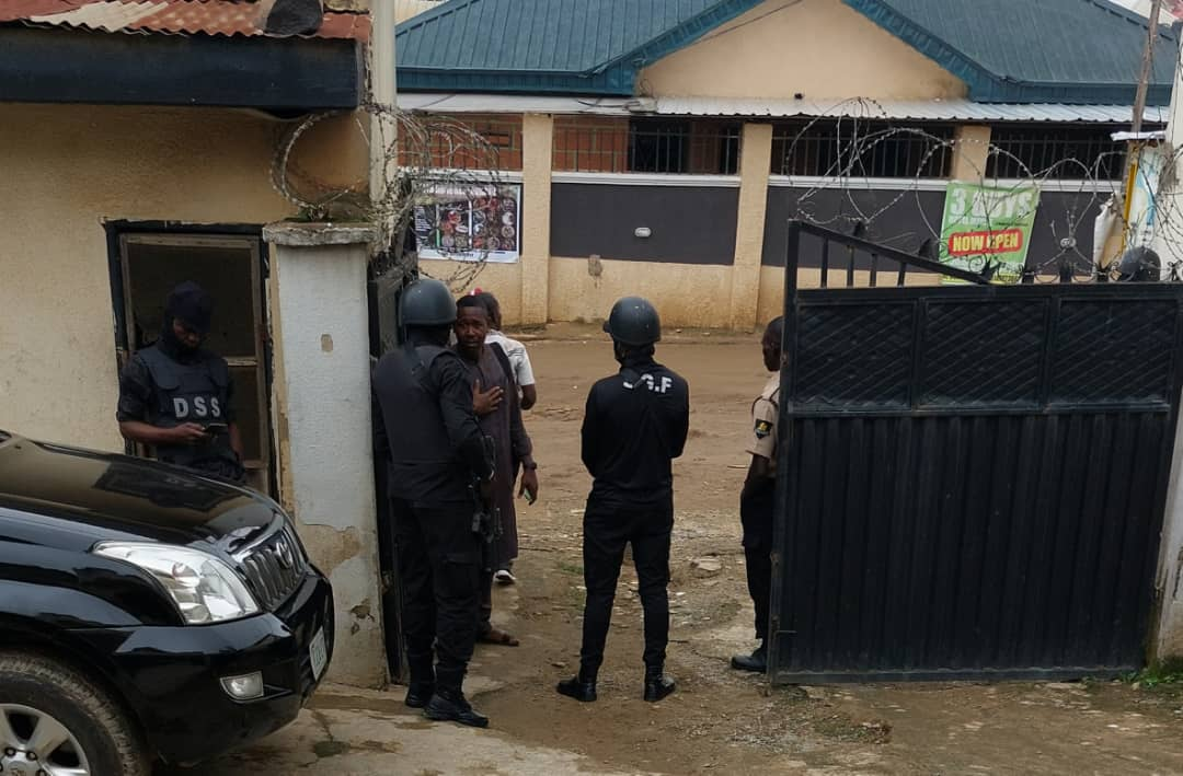 Armed SSS operatives manning the entrance of the Magistrate's Court at Mpape, Abuja on Wednesday.