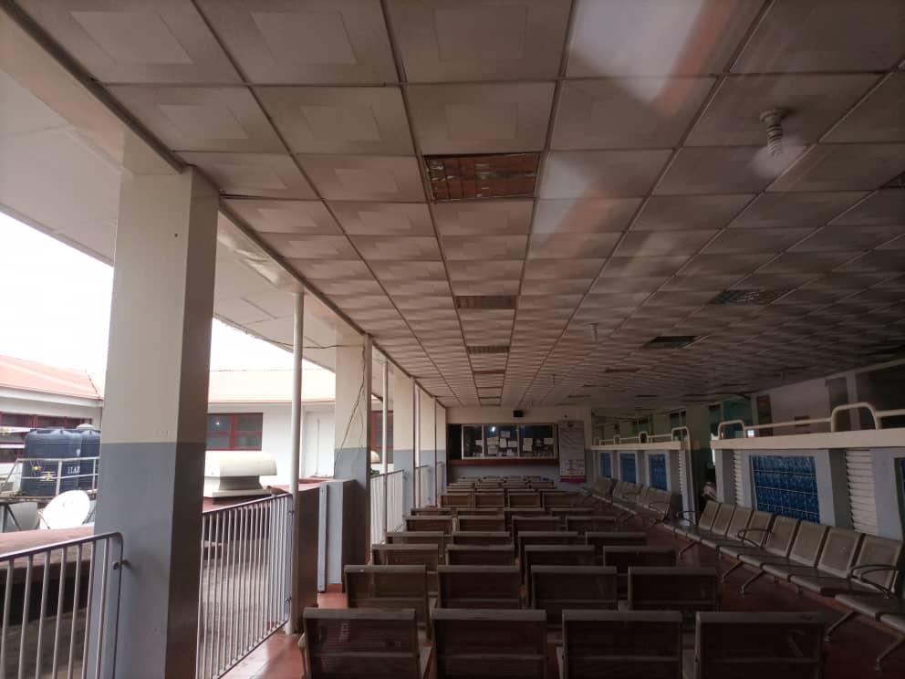 Empty waiting area at UCH. Photo: Mariam Ileyemi