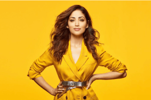 Yami Gautam Debuts Her 'Bhoot Police' First Poster, Flambeau in Hand, Looking Intrigued