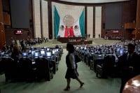 Sesión en San Lázaro. Foto: Octavio Gómez