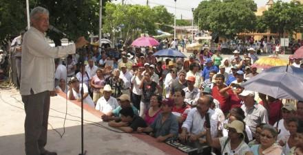 López Obrador en un acto en Ébano, San Luis Potosí. Foto: Especial.