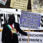 Bloquean autopista Tijuana-Tecate por caso Ayotzinapa. Foto: Xinhua / Guillermo Arias