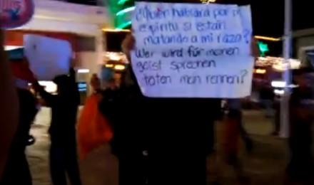 Compañeros de los detenidos protestaron tras el incidente. Foto: Especial