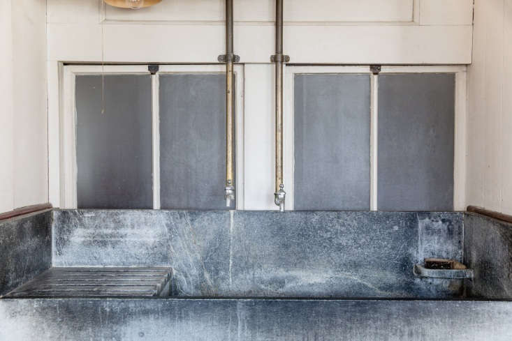 soapstone sinks in the kitchen