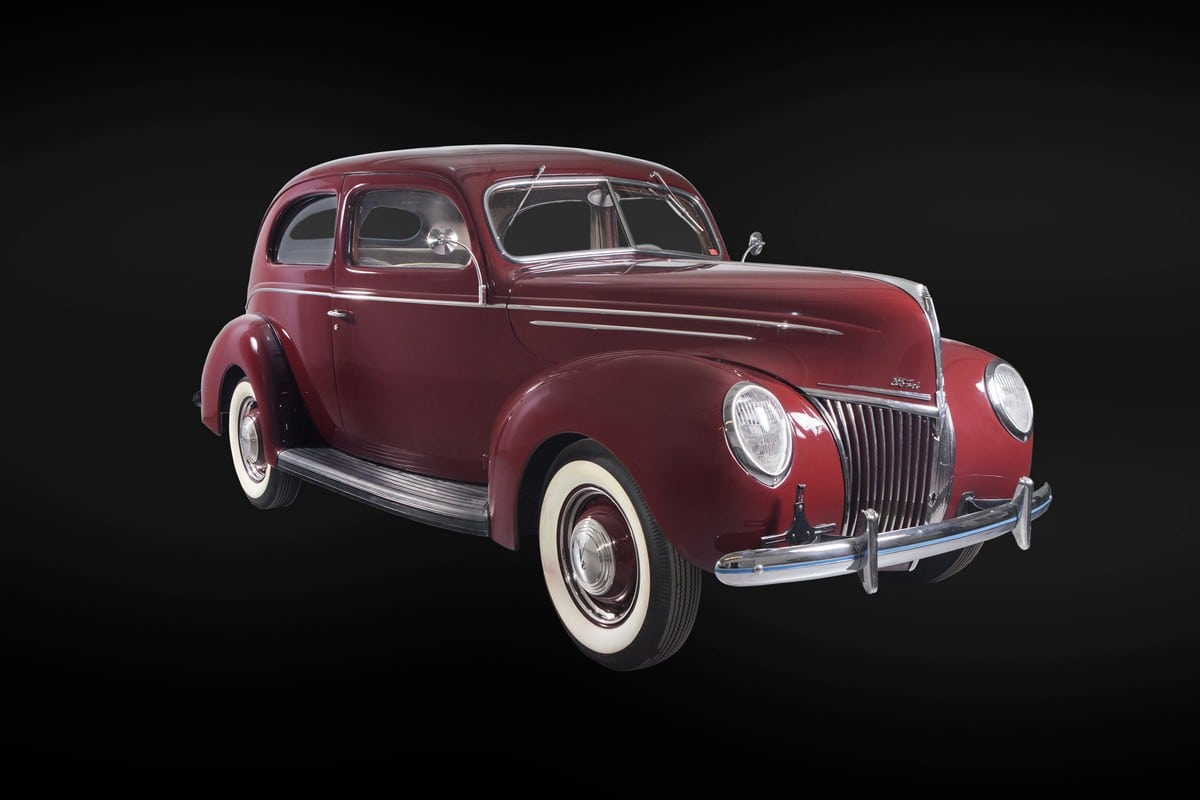 Ford_DeLuxe_1939