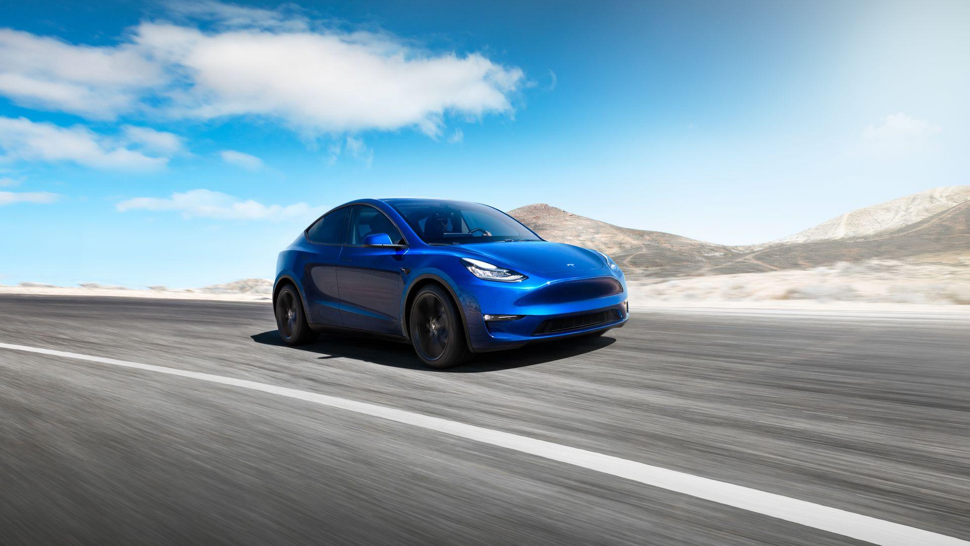 Tesla aduce în București noul Model Y