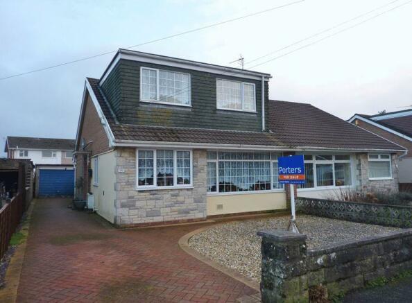 3 bedroom semi-detached bungalow for sale in 26 Glan-Y ...