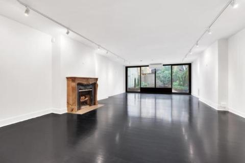 2 bedroom town house for sale in USA - New York, New York, New York