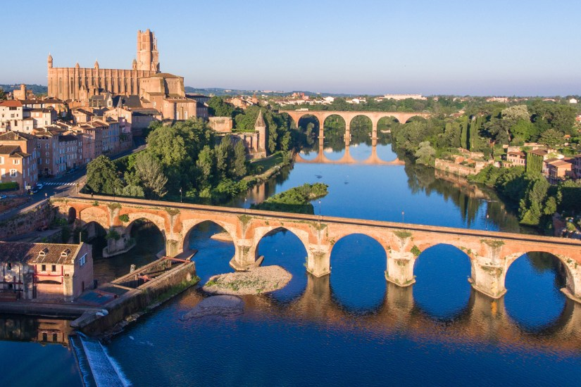 Where to go within 100 km of Toulouse?
