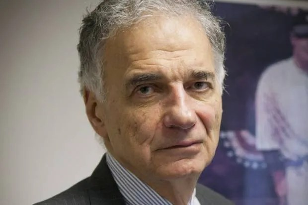 "Ralph Nader: ""The left is seized by fear and the right is driven by brass"""