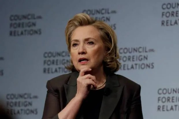 Hillary Clinton says U.S. gun safety debate is dominated by extremist minority