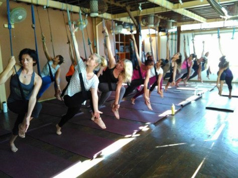 yoga-flyhighyoga-halmstad-samamama-halsanhogstupp