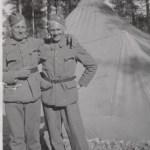 Ragnar Granström 1918-1954 t h med okänd lumparkompis.