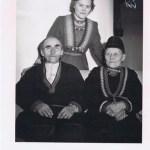 Lars och Britta med yngsta barnet Elsa.