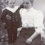 Kristina Rosengren 1887-1918 med sonen Sigfrid 1907-1924, vars pappa var Abel Mikaelsson.