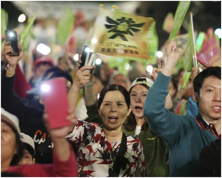 【臺灣大選】民眾親民力爭「第三」