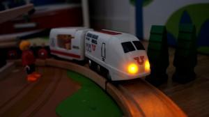 Brio_train_remote_spelpappan
